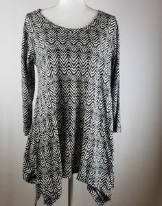 Chelsea and theodore chevron batwing tunic Large